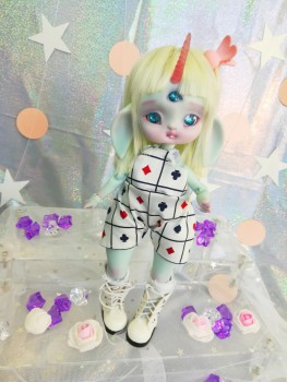 "jumpsuit white - For Bunnycorn for Lamoon - ALISE in WONDERLAND  - Online shop ""Villi Tunes Doll"""